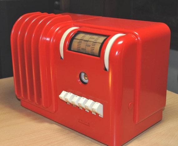 AIRLINE Model 93WG-601 Art Deco Radio (1939)
