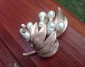 Pearl Cluster and Gold Leaves Broach or Pin