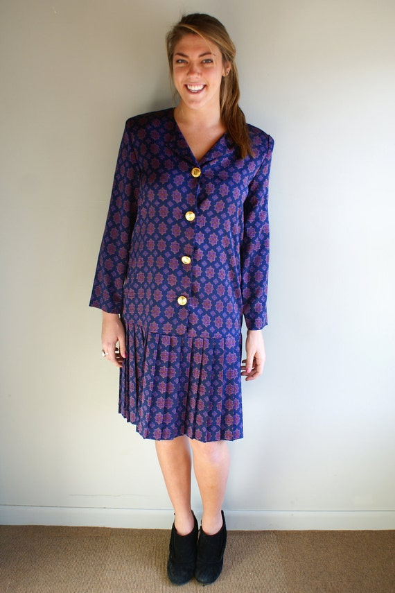 Sale Leslie Fay 80s dress medallion print purple navy pink large buttons drop waist pleated skirt in size medium large