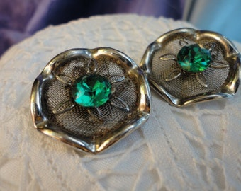 Vintage Silver Mesh with Emerald Green Faceted Rhinestone Flower Center Clip on Earrings
