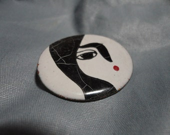 Enameled Metal Mod Style Brooch with Face Vintage Jewelry