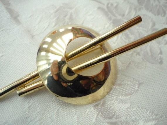 Gold Disk Brooch with Sticks Vintage