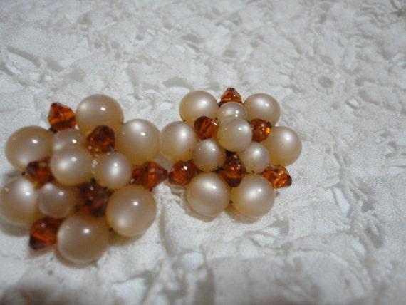 Peachy Glowing Beaded Cluster Earrings Vintage Clip on Earrings