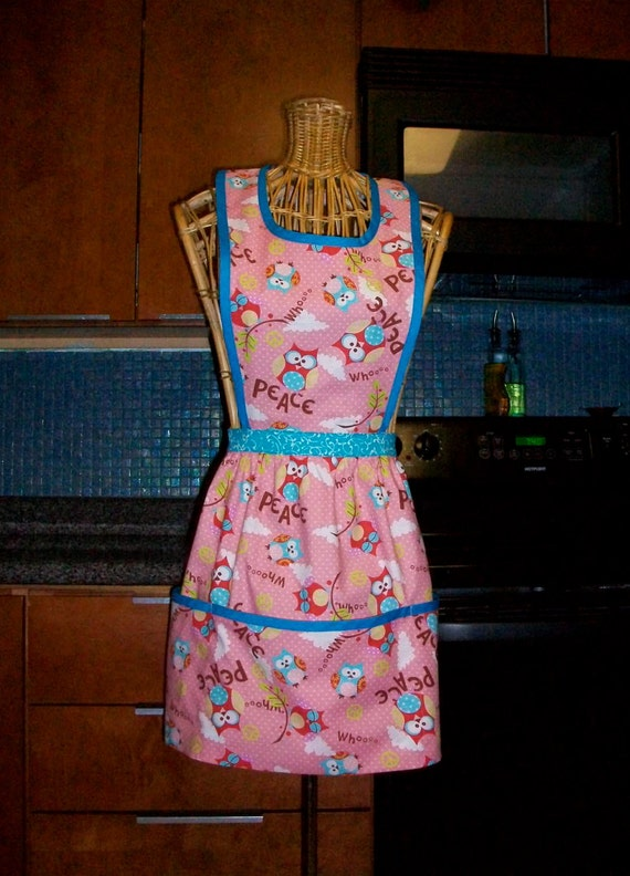 Owls on Pink Womens Full Retro Inspired Hostess Apron with Pockets in Diana style