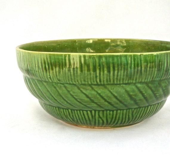 Vintage Pottery Bowl : Grass Green