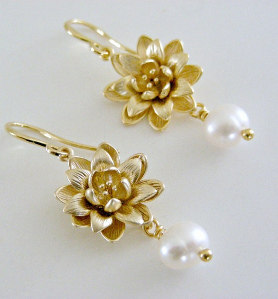 gold earrings pearl and gold lotus flower by