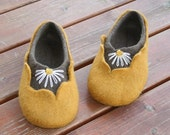 Felted woman slippers - women house shoes, felted slippers, wool slippers Amber - handmade - wool shoes - Mother's day gift