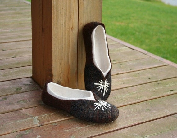 Handmade women slippers - house shoes, felted slippers, wool slippers, wool shoes, wolle pantoffel, handmade - Mother's day gift