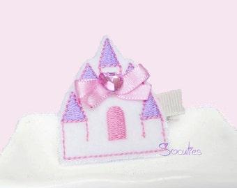 Princess castle felt hair clip / baby hair clip / girl hair clip / girl barrette.