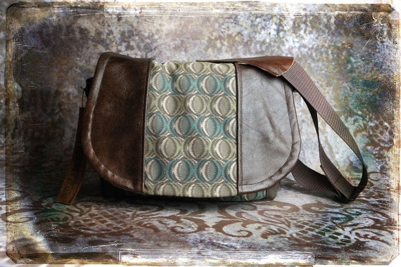Pre-Order -  Circles and Leather DSLR Camera Bag
