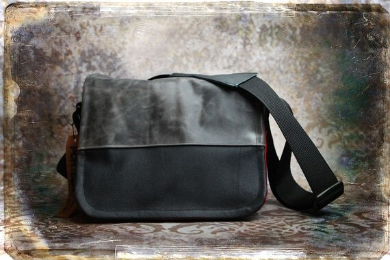 IN STOCK -  Mens/Unisex Leather DSLR Camera Bag - Medium
