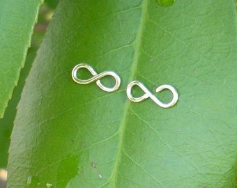 Silver wire Infinity Stud Earrings.
