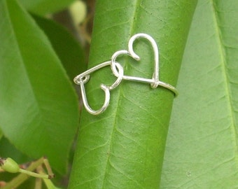 Lover's ring. Linked hearts silver wire ring