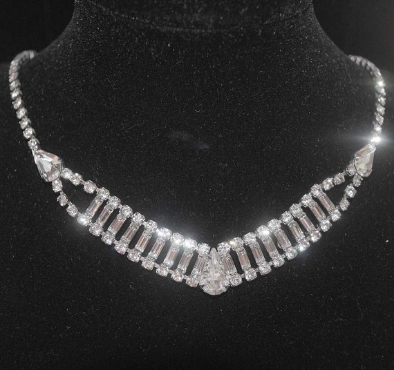 Elegant Vintage Baguette and Pear Rhinestone Necklace