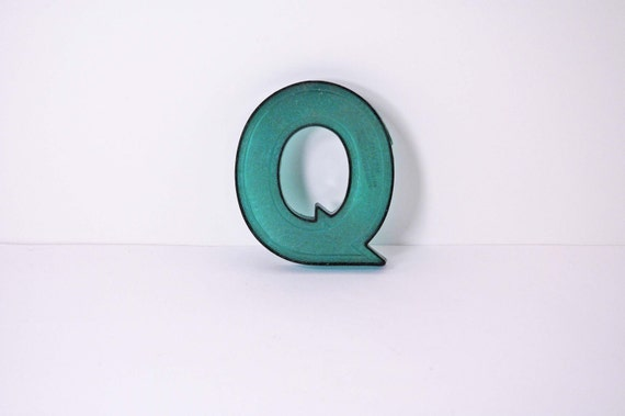 Marquee Letter - Q in green