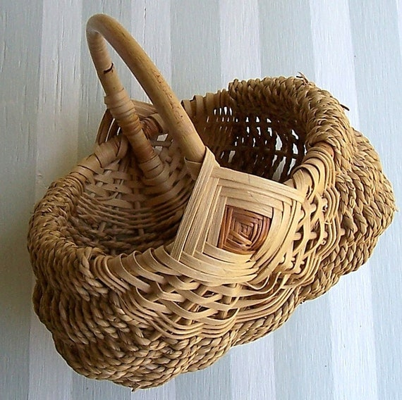 Vintage Egg Basket  Handwoven Ribbed  Seagrass and Rattan