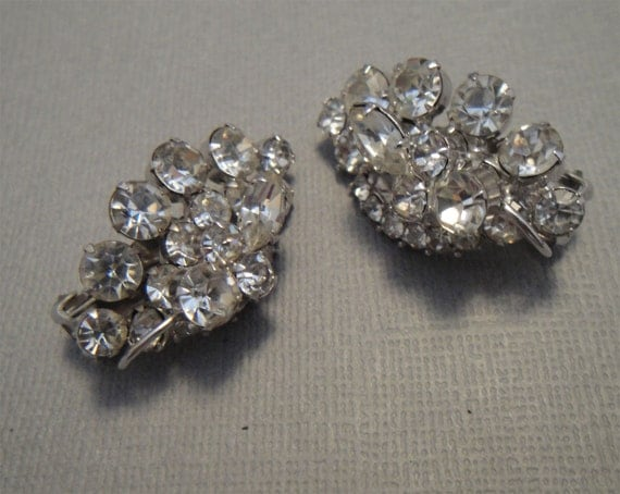 Vintage Juliana Rhinestone Earrings and clear rhinestones with silver setting and clip backs perfect wedding bridal jewelry