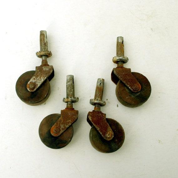 Wood Caster Set of 4 / Vintage Swivel Casters