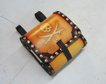 Leather Skull and Crossed Swords Pouch