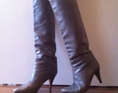 Vintage Grey Knee High  Soft Leather Boots with Kitten Heel Size 6