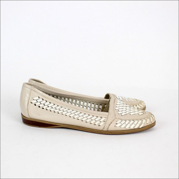 SALE oyster leather flats 6.5 / woven white leather slippers