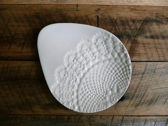 Lace Imprint Egg Jewelry Plate L Dish