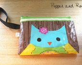 Adorable plastic owl purse