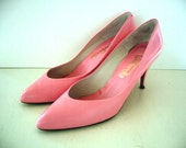 VINTAGE 60's Pink Leather PinUp Heels - Size 9 1/2