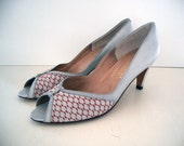 VINTAGE 50's Pin-Up Heels Gray & Red Leather - Size 7 AA - openeyespressvintage