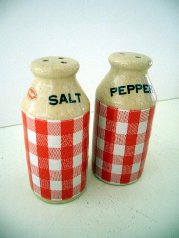 VINTAGE Gingham Salt and Pepper Shakers CERAMIC