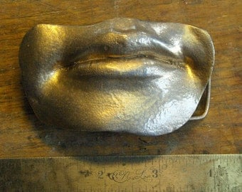 Grace Silver-Blue Mouth/Lips Belt Buckle