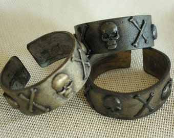 Skull and Cross Bones Cuff