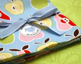 Set of 6 Cloth Napkins 15 Inch Alexander Henry Apple and Pear Fabric