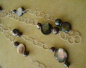 Chic in Shells and Pearls Necklace  (1098S)