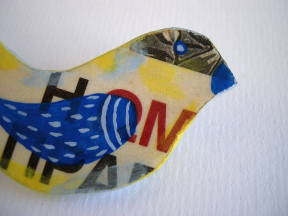 Bird brooch, paper mache brooch, eco friendly animal brooch, eco jewelry, recycled jewelry
