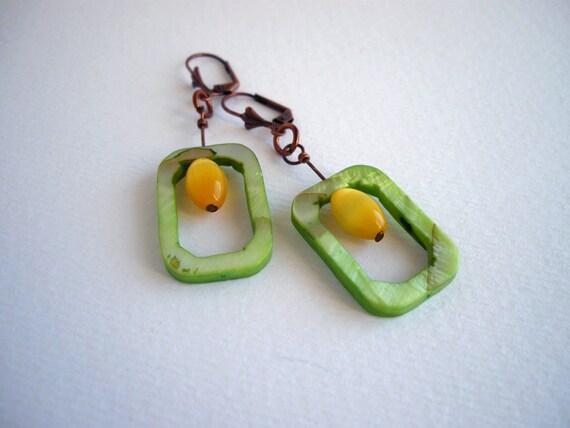 Shell earrings, geometric earrings, minimalist jewelry, green yellow, rectangular earrings, bohemian jewelry, boho, glass bead earrings