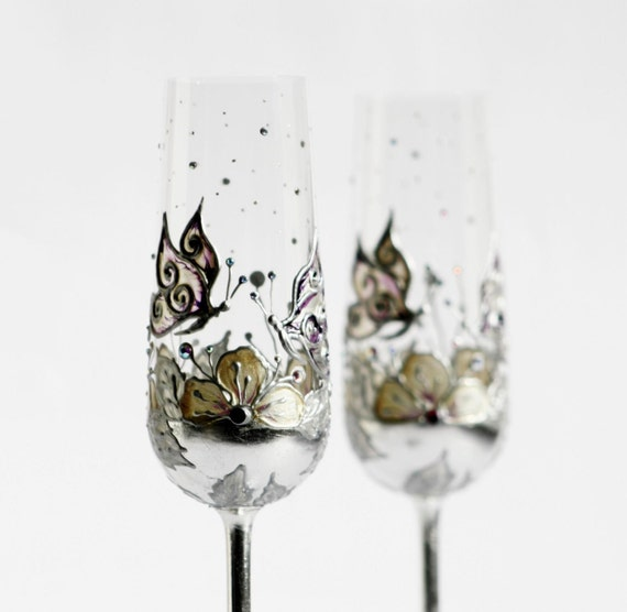Wedding Toasting Champagne Flutes Hand Painted Butterfly and Flowers Cream Purple and decorated with Swarovski Crystals Set of 2