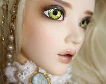 BJD eyes available in 12/14/16/18/20/22/24mm Apple Absynth made to order