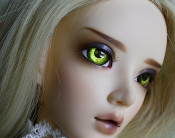 BJD eyes available in 12/14/16/18/20/22/24mm Glittering Eden  made to order