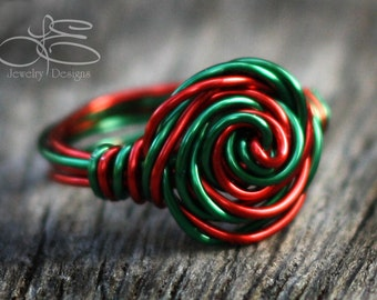 Red & Green Wire Wrapped Ring - christmas ring, red green ring, wire wrapped, swirl ring, holiday ring