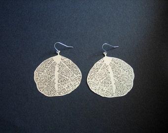 Leaf earrings, light weight silver earrings - fall winter jewelry, simple everyday wear