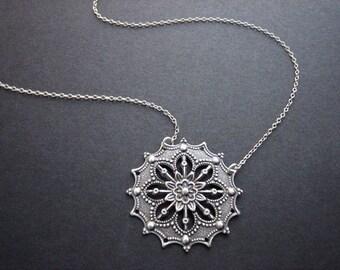 Steampunk star necklace
