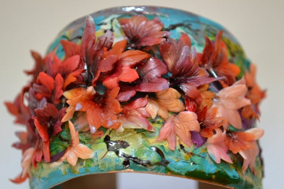 Autumn Story - Cuff Bracelet with Maple Leaves in Fall s Colors