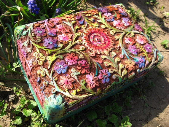 Jewelry box carved, painted, varnished and decorated with 24K gold