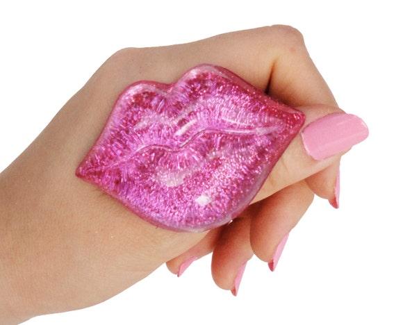 Big Pink Glitter Lips Ring
