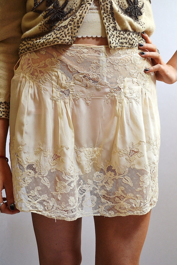 Vintage Exquisite Ivory Short Silk Slip Tap Pants With Amazing Inset Lace Applique and Embroidery