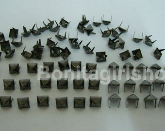 500 PCS. 8.00 mm.  Gunmetal Pyramid Studs