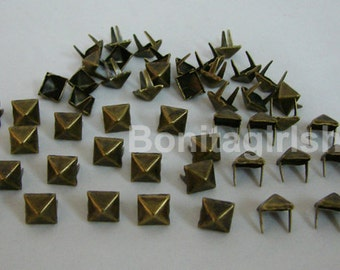 500 PCS. 8.00 mm.  Brass Glam Pyramid Studs