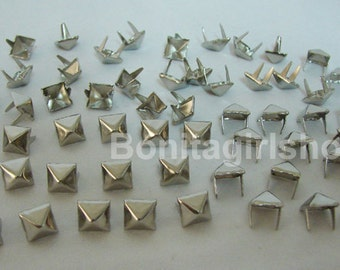 100 PCS. 8.00 mm.  Silver Pyramid Studs