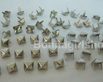 100 PCS. 8.00 mm.  Silver Pyramid Studs